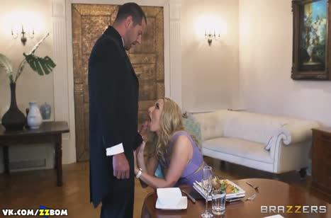 Развратная Paige Turnah решила потрахаться с дворецким