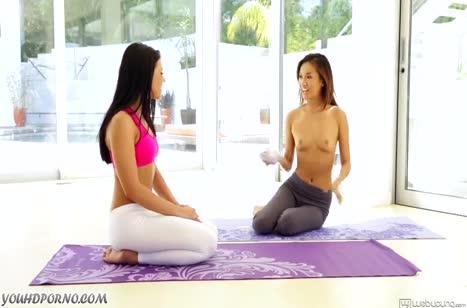 Adriana Chechik и Alina Li занялись классным лесбо сексом #2