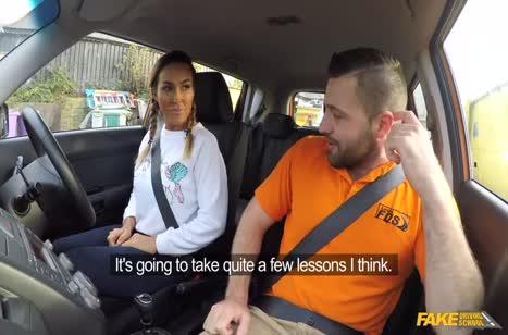 Нескромная Aubrey Black прямо в машине устроила оргию #2