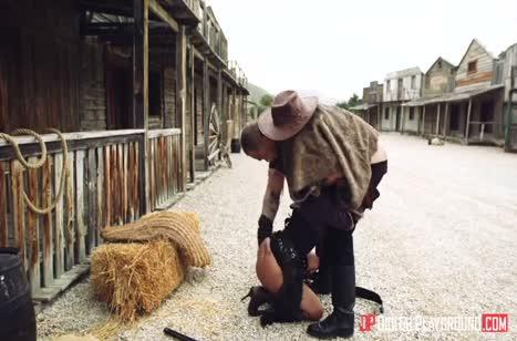 Секси ковбойшу Canela Skin трахают на диком западе #2