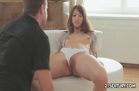Красивая студентка Suzen Sweet любит романтический секс #2