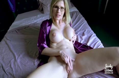 Блондинка Cory Chase устроила другу порно сюрприз