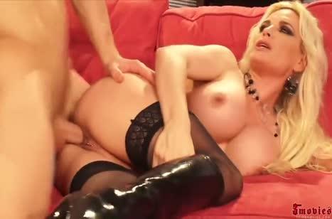 Diamond Foxxx извивается от жесткого секса с лысым ухажером #6