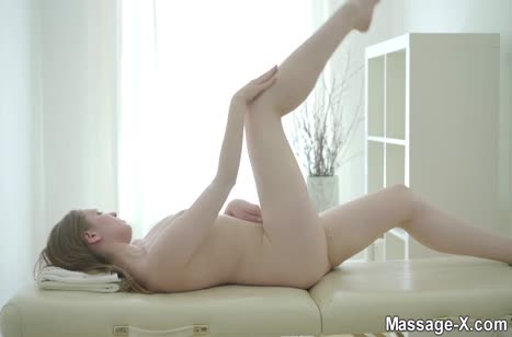 Блондинка решилась на красивый секс с массажистом #2