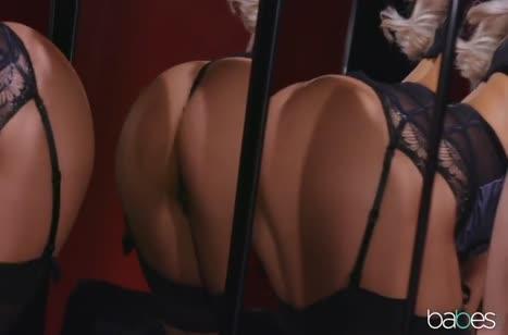 Шикарная блондиночка обожает грубое и быстрое соитие