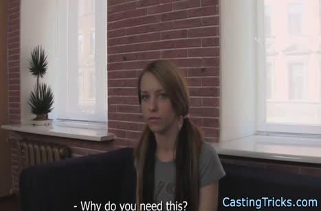 Молодую русскую деваху развели на порно кастинг #1