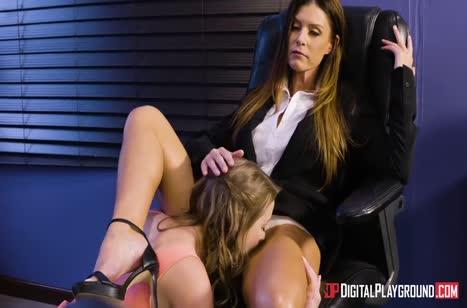 Красивые лесбияночки не стесняются извращаться в офисе #3