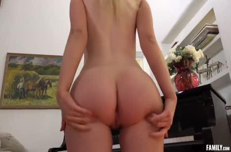 Блондиночку с классным прицепом чел соблазнил на любительский секс #2